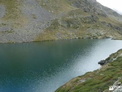 Andorra-País de los Pirineos; piedralaves piscina natural senderismo brea mochila para trekking asoc